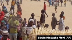 Des réfugiés camerounais vivent au camp de Minawao, au Cameroun, mercredi 25 février 2015. Ils ont fui les attaques de Boko Haram