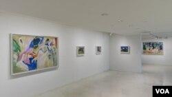 В зале выставки. Courtesy: The Solomon R. Guggenheim Foundation, New York