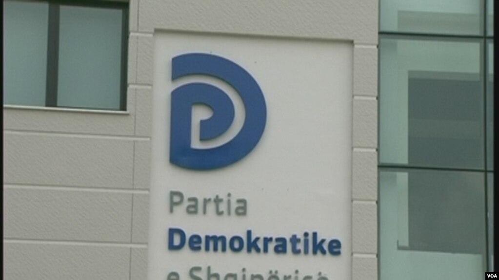 Shqipëri: PD dorëzon listën e plotë të kandidatëve