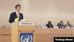 윤병세 한국 외교부 장관이 27일 스위스 제네바 유엔사무국에서 열린 제34차 유엔인권이사회 고위급 회기에서 기조연설을 했다.