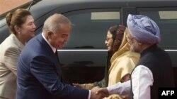 O'zbekiston rahbari Islom Karimov 2011-yilning may oyida Hindistonga safar qilib, hamkorlikni oshirishga kelishib olgan edi