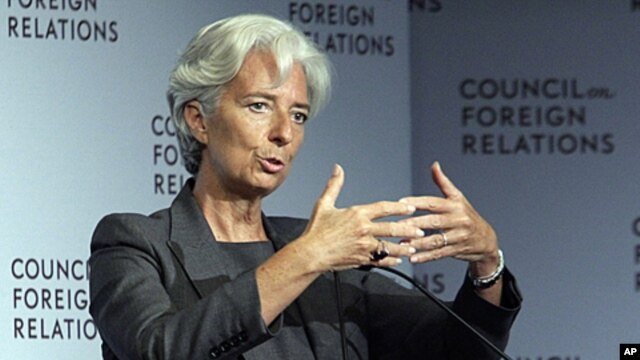 IMF chief Lagarde addresses a gathering at the Council on Foreign Relations in New York, July 26, 2011