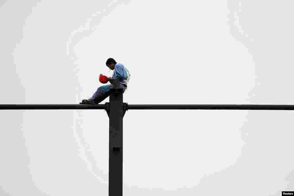 تنہائی کے لمحات گزارنے کے مختلف انداز