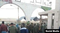 حضور نیروهای امنیتی در شرکت نیشکر هفت تپه/ منبع: شبکههای اجتماعی