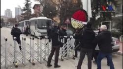 Rusya Büyükelçiliği Önünde Protestolar Yerine Karanfiller
