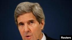 美国国务卿克里3月6日在罗马对记者发表讲话