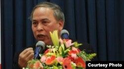 Blogger Phạm Viết Đào (Ảnh: Facebook Nguyễn Lân Thắng)