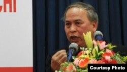 Blogger Phạm Viết Đào dijatuhi hukuman 15 bulan penjara karena memuat artikel terkait kritik terhadap pemerintah dalam blog-nya (Foto: dok).