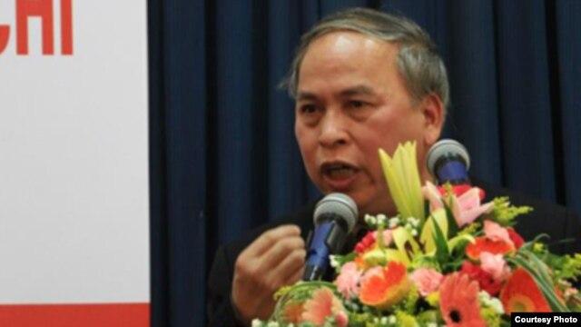 Blogger Phạm Viết Đào