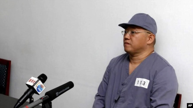FILE - American missionary Kenneth Bae speaks to reporters at Pyongyang Friendship Hospital in Pyongyang, North Korea.