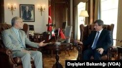 Ali Ekber Salihi ve Ahmet Davutoğlu