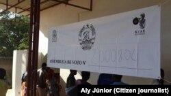 Assembleia de voto na província de Cabo Delgado. Moçambique. Foto enviada por Aly Júnior