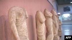 Në Tiranë ekspozohet busti i atletit të panjohur