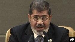 30일 이란에서 열린 비동맹운동 정상회담에서 발언하는 모하메드 무르시 이집트 대통령.
