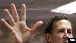 Ứng cử viên Rick Santorum đạt được thành tích cao bất ngờ ở bang Iowa