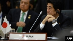 Japanese Prime Minister Shinzo Abe attends ASEAN summit, Brunei, Oct. 10, 2013.