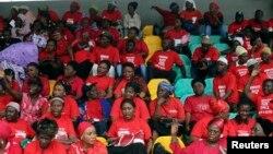 27일 나이지리아 치복에서 납치된 여학생들의 무사귀환을 기원하는 집회가 열렸다.