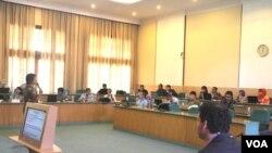 Pelatihan Industri Ekstraktif di Universitas Gajah Mada Yogyakarta, diikuti 31 peserta dari sembilan negara, Jumat, 9 Mei 2014 (Foto: Munarsih)