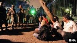 ပါတီတက္ လူငယ္ေတြကုိ အီရန္ ရဲဖမ္းစဥ္ (ဒီဇင္ဘာ ၂၀၁၇)