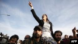 Tunižani proslavljaju pobedu islamističke partije Enahda