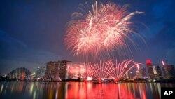 Singapore đã mất nhiều tháng trời và nhiều triệu đôla để chuẩn bị cho lễ kỷ niệm quy mô lớn.