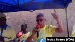 Leonel Gomes anuncia saída dos deputados
