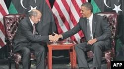 AQSh rahbari Barak Obama Liviya Muvaqqat boshqaruv kengashi raisi Mustafo Abdul Jalil bilan ko'rishdi