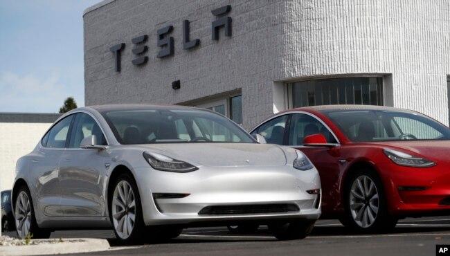 Нова Модель 3 Tesla