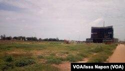 Des parcelles à l'abandon dans la Zone Activités Administratives et Commerciales (Zaca), Ougadougou, Burkina Faso, 9 septembre 2018. (VOA/Issa Napon)