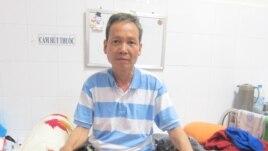 Nhà giáo bất đồng chính kiến Ðinh Ðăng Ðịnh.