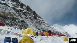 کابینه نپال در قله اورست تشکیل جلسه می دهد