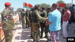 白俄罗斯和中国军队都出席了去年夏季在俄罗斯南部的军事比赛活动。(美国之音白桦拍摄)