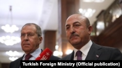Rusya Dışişleri Bakanı Sergei Lavrov ve Türkiye Dışişleri Bakanı Mevlüt Çavuşoğlu Moskova'da bir araya geldi (arşiv)