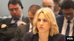 Željka Cvijanović: Mnogo više raditi, a manje pričati