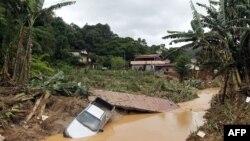 Nhiều ngôi nhà ở thị trấn miền núi Teresopolis đã bị san phẳng khi các sườn đồi và bờ sông bị sạt lở vì những cơn mưa lớn