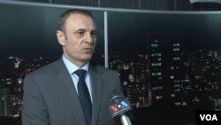 Slobodan Petrović, lider SLS (arhivski snimak)