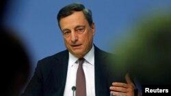 Kepala Bank Sentral Eropa, Mario Draghi berbicara di Frankfurt, Jerman (foto: dok).
