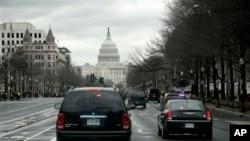 3月12日奥巴马的座驾驶往国会