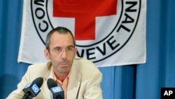 ICRC အျပည္ျပည္ဆိုင္ရာ ၾကက္ေျခနီအဖြဲ႔ရဲ့ ကမာၻတလႊား အကူညီေပးေရး လုပ္ငန္းဆိုင္ရာ ဒါရိုက္တာ Dominik Stillhart (၂၀၀၈၊ ဧၿပီလ)