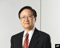 台湾政治大学金融教授殷乃平