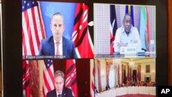 ລັດຖະມົນຕີກະຊວງການຕ່າງປະເທດ ທ່ານແອນໂທນີ ບລິງເກັນ ເຂົ້າຮ່ວມກອງປະຊຸມສອງຝ່າຍຜ່ານທາງອອກໄລນ໌ ກັບປະທານາທິບໍດີ ເຄັນຢາ ອູຮູຣູ ເຄັນຢາດຕາ (Uhuru Kenyatta) ແລະອຸປະທູດ ແອຣິກ ຄີດເລີ ຢູ່ທີ່ກະຊວງການຕ່າງປະເທດ ໃນນະຄອນຫຼວງ ວໍຊິງຕັນ, ວັນທີ 27 ເມສາ 2021.