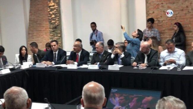 Oposición venezolana presenta Plan País 2020