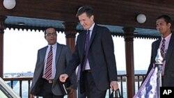 佈萊克抵達馬爾代夫訪問。