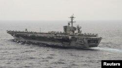 Hàng không mẫu hạm USS Theodore Roosevelt của Hoa Kỳ ở Biển Đông (Ảnh: Hải quân Mỹ chụp ngày 29/10/ 2015).