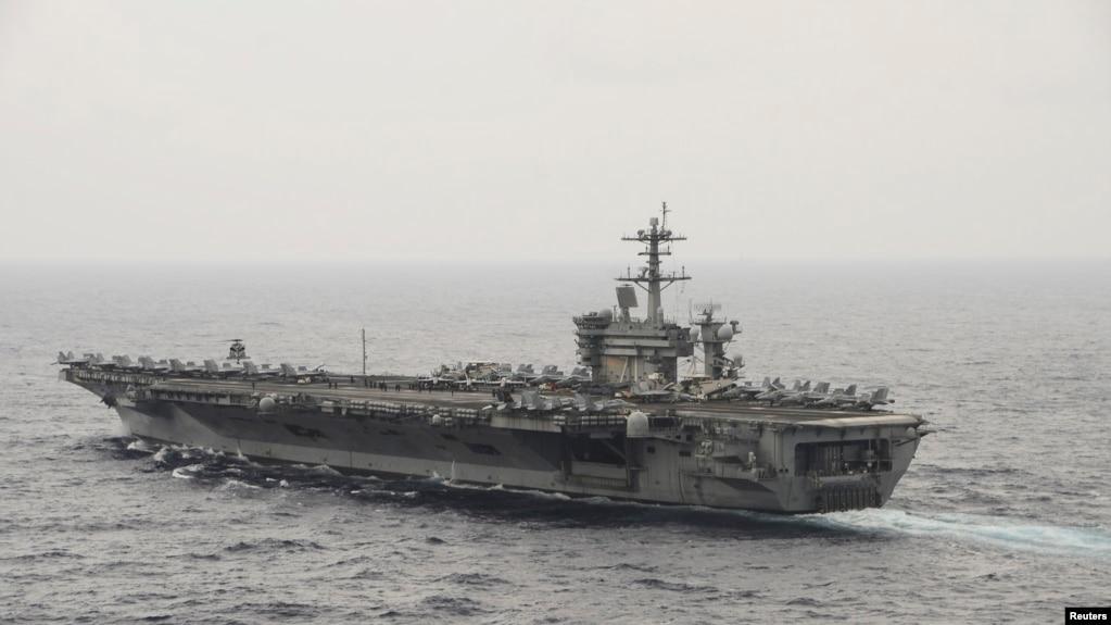 美国罗斯福号航空母舰2015年在南中国海航行