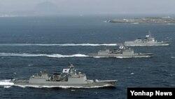미한 연합훈련에 동원된 한국 해군의 이지스 구축함들. (자료사진)