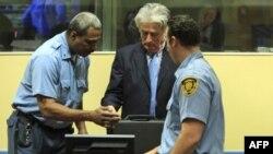 بازپرسان دیوان بین المللی جنایی: کاراجیچ عامل قتل عام صربرنیتسا است