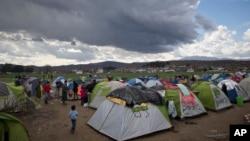 پناهجویان وضعیت در کمپ ها را رقتبار توصیف می کنند