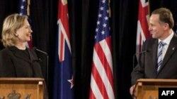 Держсекретар Клінтон з прем'єр-міністром Нової Зеландії Джоном Кі