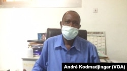 Dr Bessimbaye Nadlaou, chef de service des laboratoires HGRN JPG , au Tchad, le 6 mai 2020. (VOA/André Kodmadjingar)